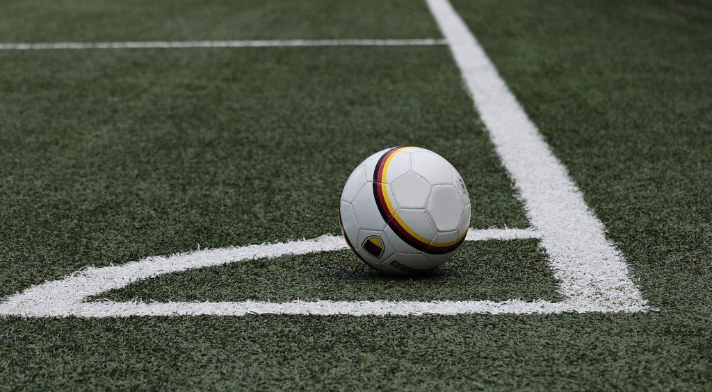 jak analizować pilkę nożną
